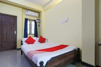OYO 67644 D-qube Hotels