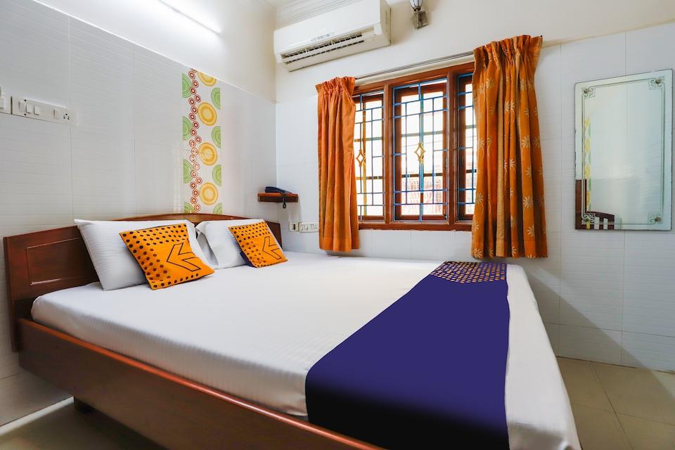SPOT ON 67646 Jk Guest House