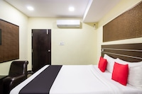 Capital O 67667 Hotel V