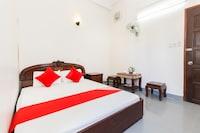 OYO 692 Trang Pham Hostel