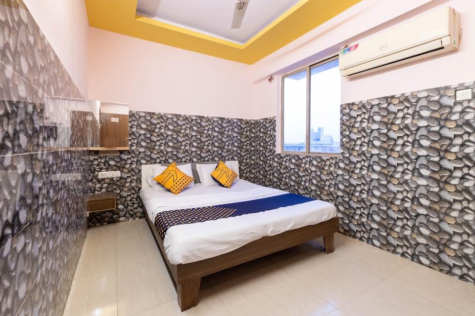 SPOT ON 67724 Hotel Prince Residency