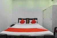 OYO 67790 Hotel Aarush