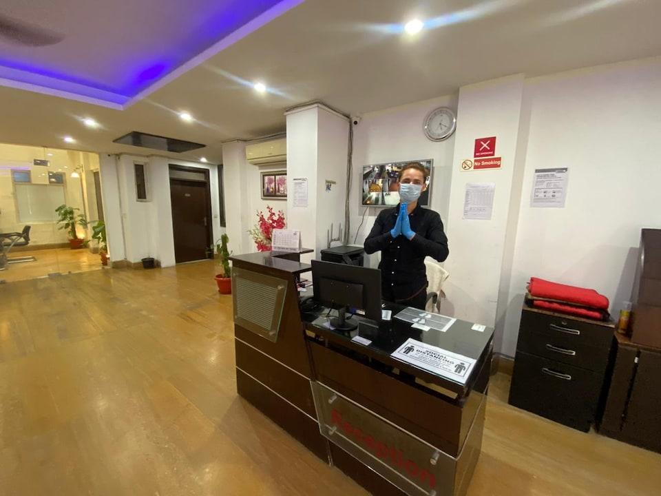 Capital O 67791 Hotel Jasola 82 Inn