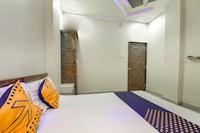 SPOT ON 67797 Hotel Om Sai  SPOT