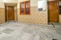OYO 67811 Hotel Dhanoa Palace Burail