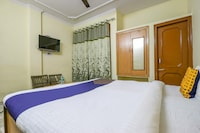 OYO 67811 Hotel Dhanoa Palace Burail