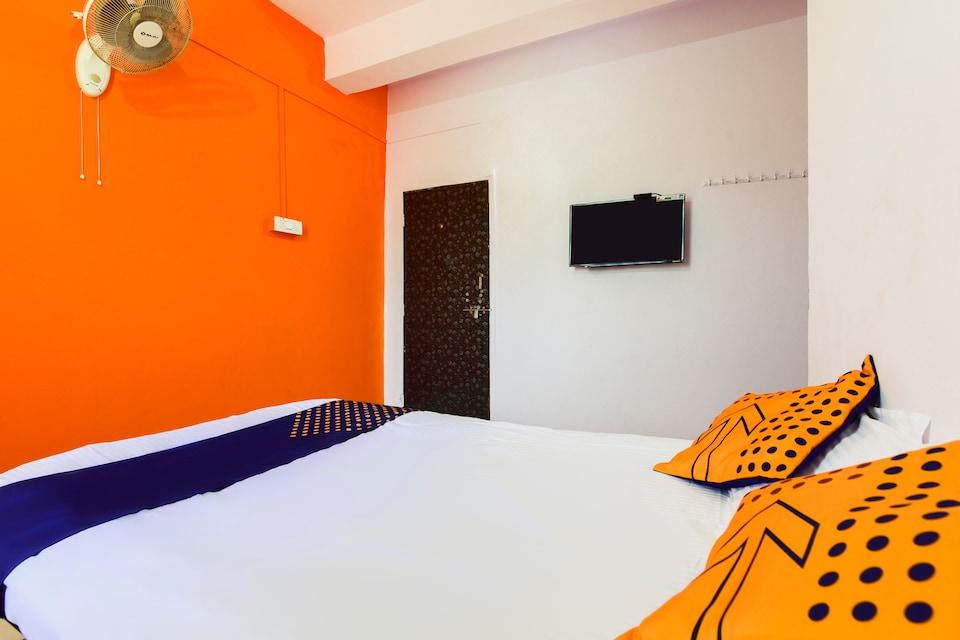 SPOT ON 67849 Hotel Raje