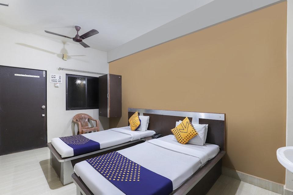 SPOT ON 67869 Hotel Krishna Palace