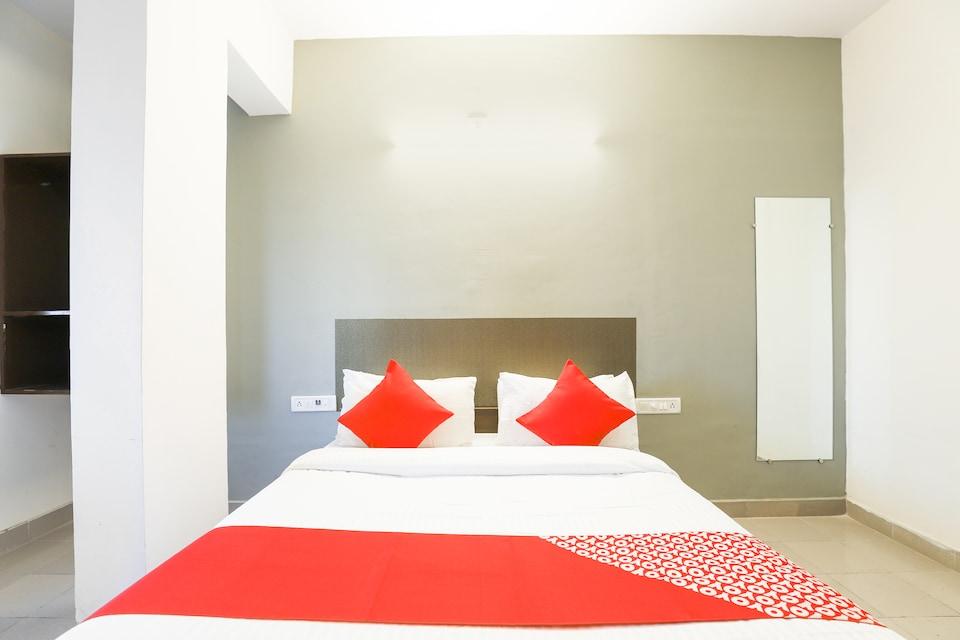 OYO 67877 Hotel Ivory