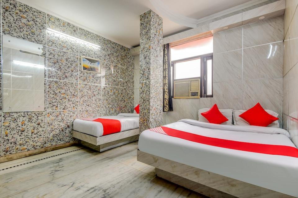 OYO 67901 Hotel Yugh Dx, Paharganj Delhi, Delhi