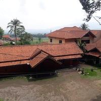 SPOT ON 2584 Hotel Karya Nunggal Asri