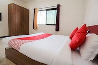 OYO 68030 Hotel Bawarchi Lodge