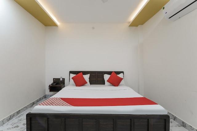 OYO 68040 Hotel Aastha