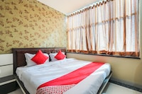 OYO 68097 Hotel Shivin Palace