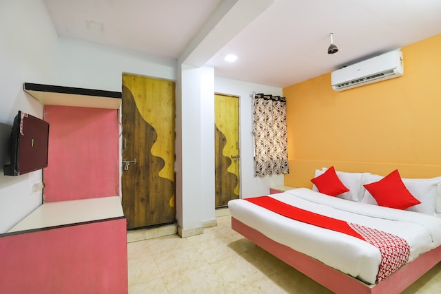 OYO 68115 Sun Guest House  Deluxe