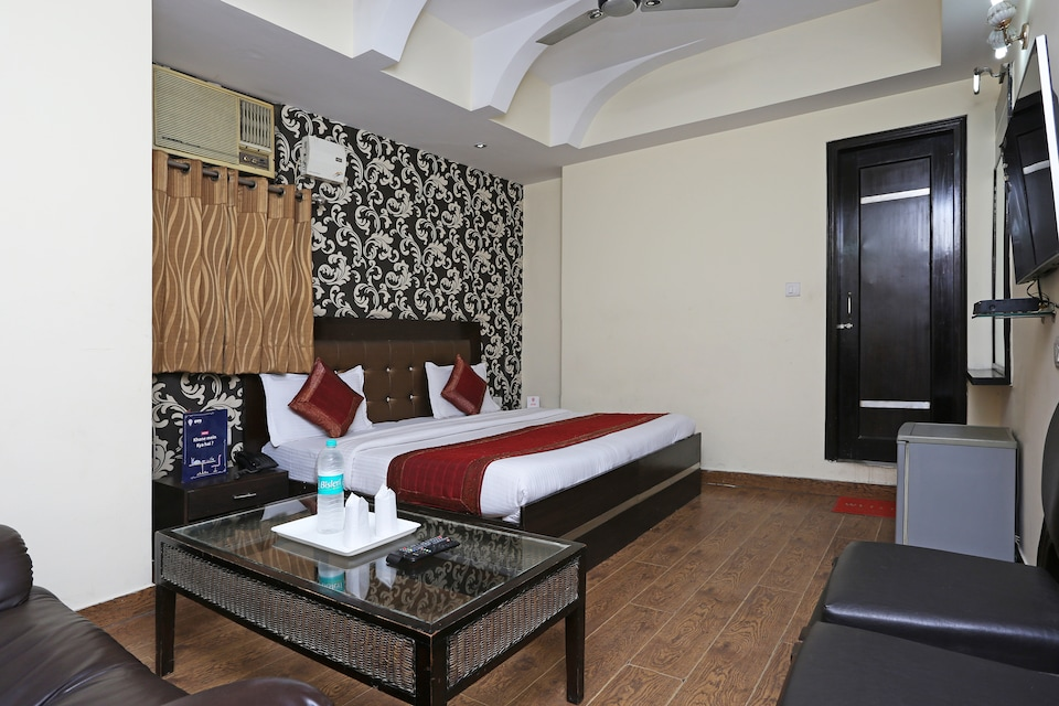 OYO 337 Hotel Anand