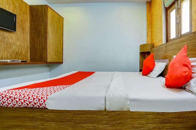 OYO 68163 Hotel Chandrika Inn Saver