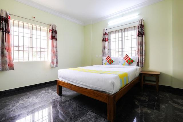 OYO Home 68246 SNR Residency