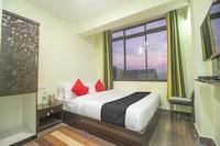 Capital O 68272 Hotel Tenzing Deluxe