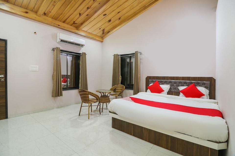 OYO 68301 Shivneri Fort Valley Resort