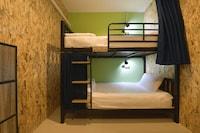 OYO 526 Baan Wararin Hostel