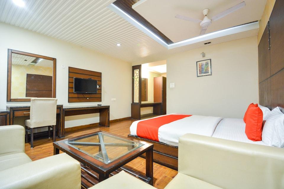 OYO 68345 Prakash Hotel