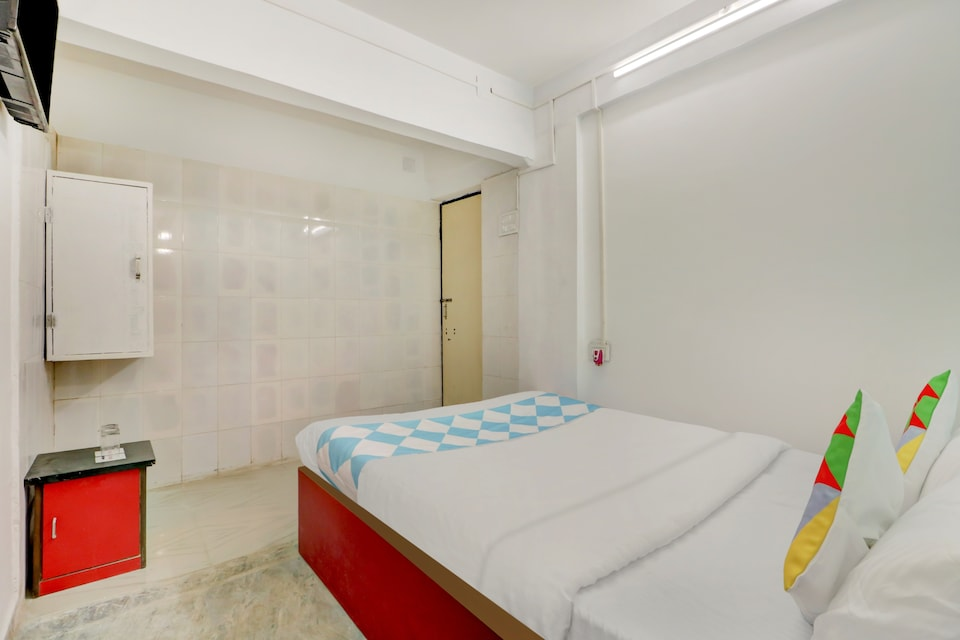 OYO Home 68351 Cozy Stay Behala Kolkata