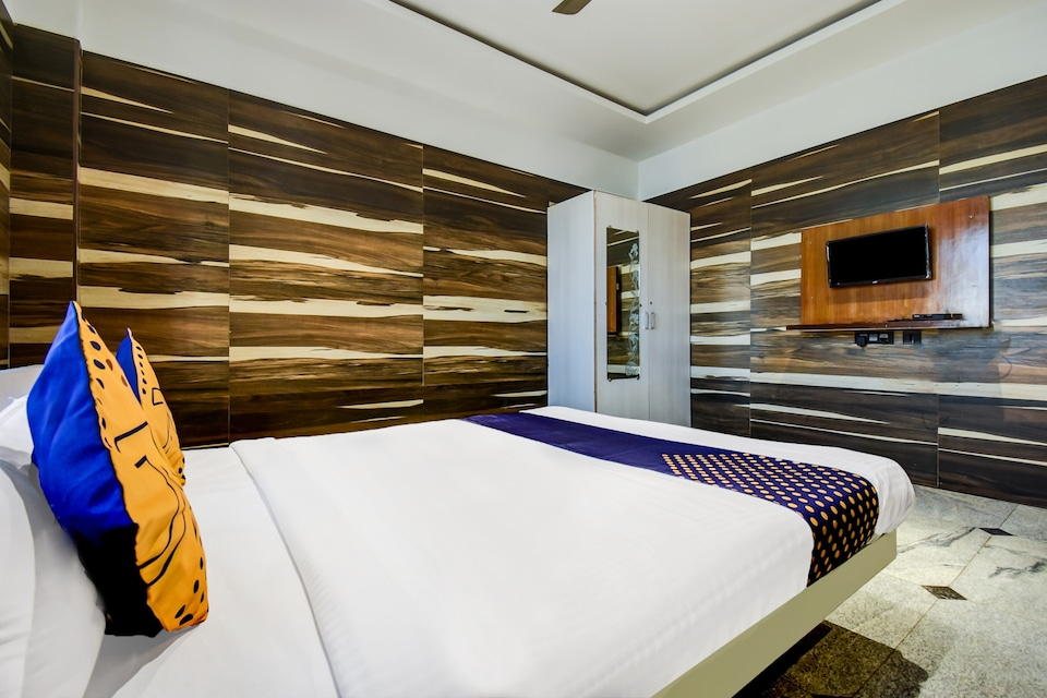 SPOT ON 68377 Aishwarya Lodge