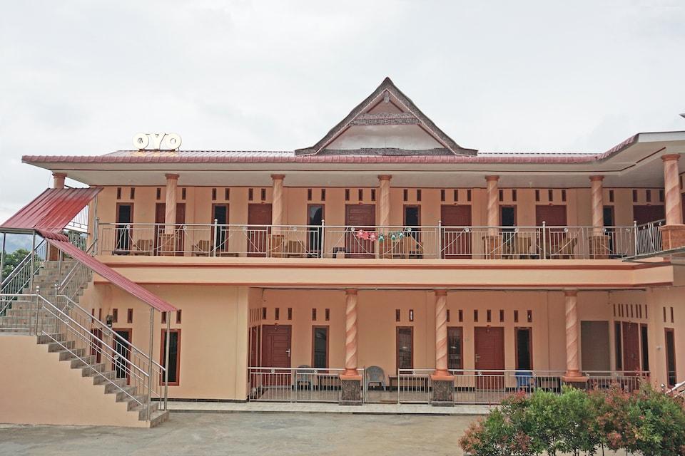 OYO 2635 Ramos Inn, Samosir, Samosir