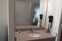 Townhouse Clute TX Expy 288