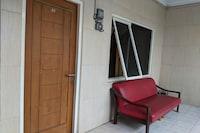 OYO Life 2645 Pondok Rizqi Residence