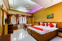 OYO 68439 Hotel Debloke Suite