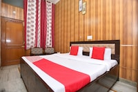 OYO 5637 Hotel Majestic
