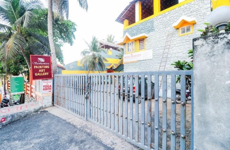 SPOT ON 68462 Hotel Seaweed, Kovalam Kerala, Kovalam