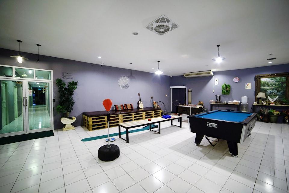 Meet & Meet Hostel