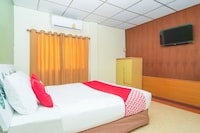 OYO 534 Phasuk Hotel