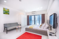 OYO Home 89766 Unbelievable 1br Summer Suites