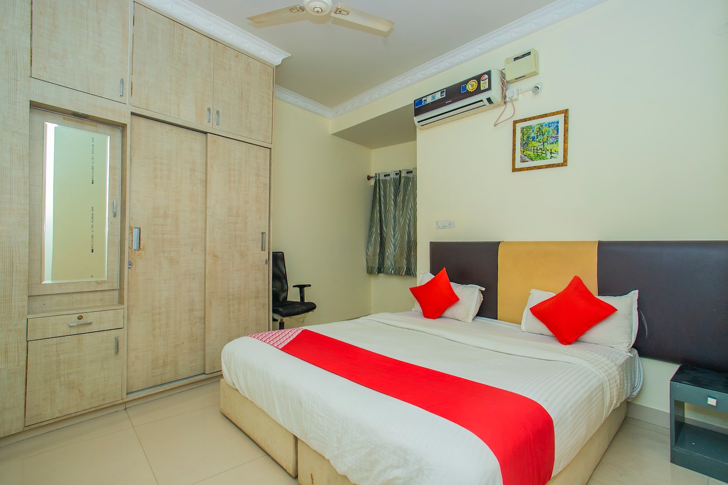 OYO 875 Eyrie Suites -1