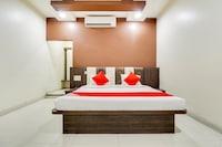 OYO 68568 Maa Vaishnavi Hotel & Restaurant