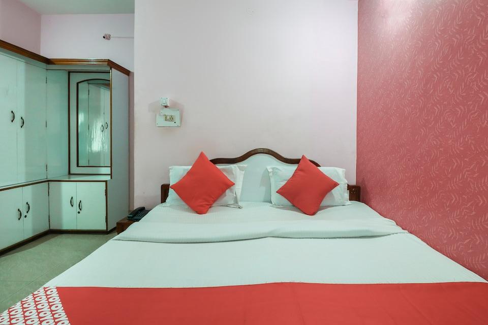 OYO 68609 Gulmohar Inn