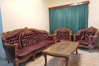 OYO 2733 Omah Cimbar Family Residence
