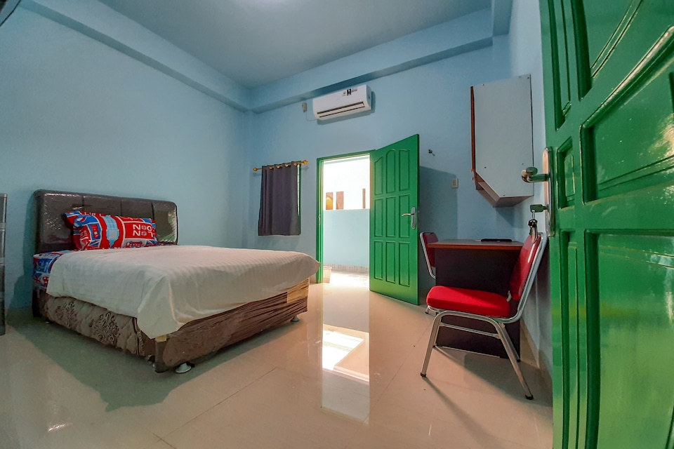 SPOT ON 2738 818 Home Stay