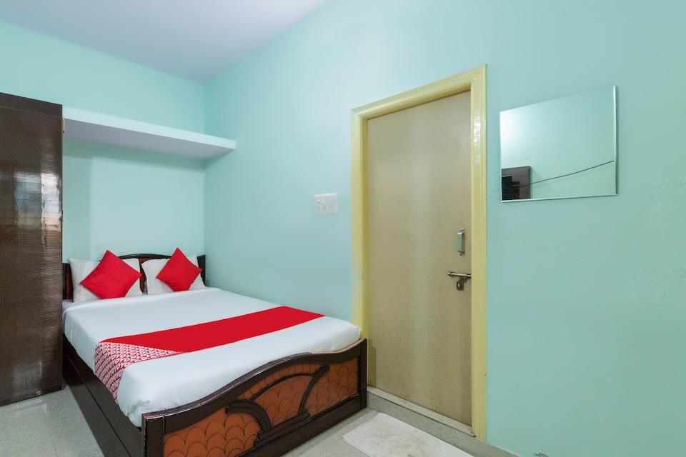 OYO 68738 Hotel Skv Residency