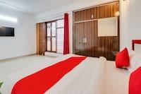 OYO 68782 Shankar Palace Residency