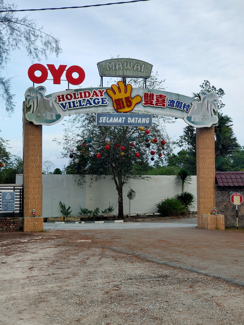 OYO 89799 Hi 5 Holiday Village