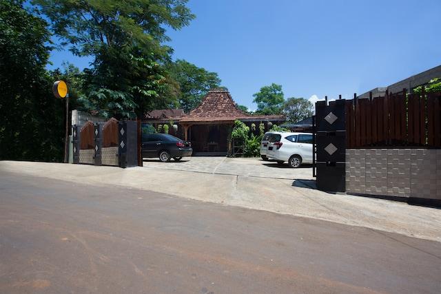 SPOT ON 2761 Pondok Kartini