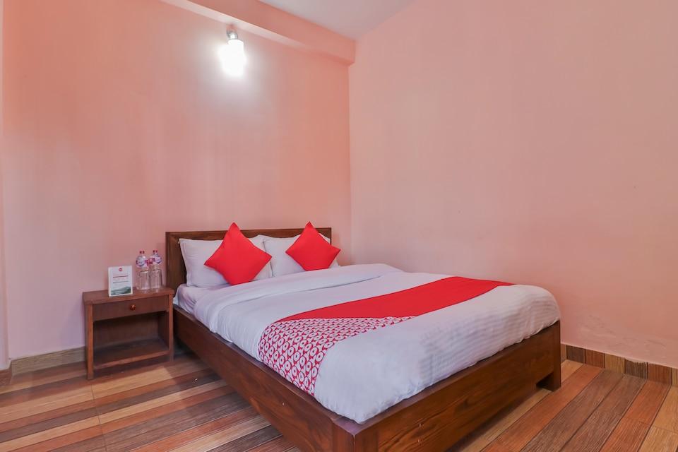 OYO 748 Hotel Blue Himalayan