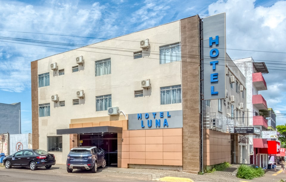 OYO Luna Hotel