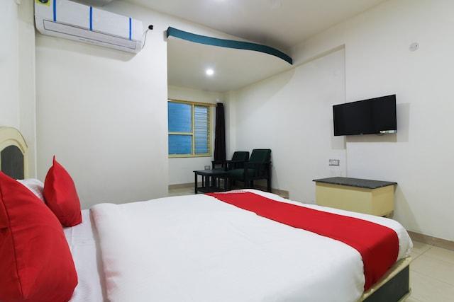 OYO 68920 Hotel Ranjit Deluxe