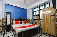 OYO 68928 Ranjan House 3 Deluxe